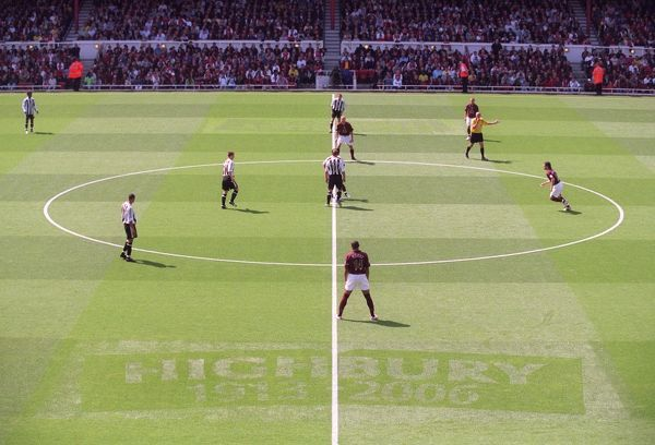 the 1913 2006 pitch marckings arsenal 2