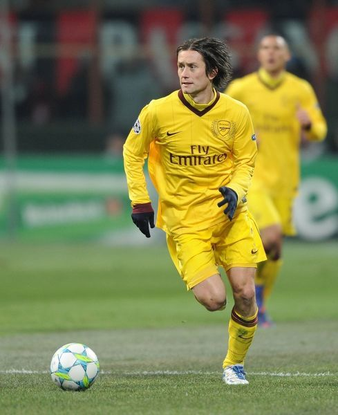 milan italy february 15 tomas rosicky of arsenal