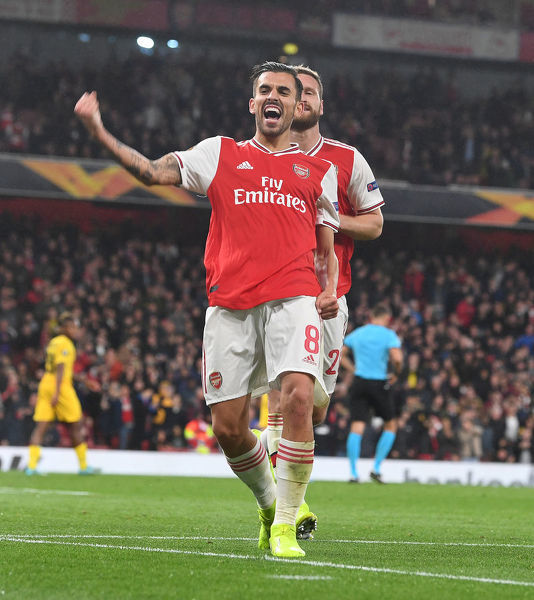 LONDON, ENGLAND - OCTOBER 03: Dani Ceballos celebrates scoring the 4th Arsenal goal during the UEFA Europa League group F match between Arsenal FC and Standard Liege at Emirates Stadium on October 03, 2019 in London, United Kingdom