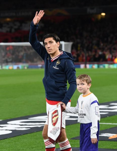 LONDON, ENGLAND - OCTOBER 03: Hector Bellerin of Arsenal before the UEFA Europa League group F match between Arsenal FC and Standard Liege at Emirates Stadium on October 03, 2019 in London, United Kingdom