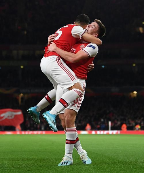 LONDON, ENGLAND - OCTOBER 03: Gabriel Martinelli celebrates scoring Arsenal's 1st goal with Kieran Tierney during the UEFA Europa League group F match between Arsenal FC and Standard Liege at Emirates Stadium on October 03, 2019 in London, United Kingdom