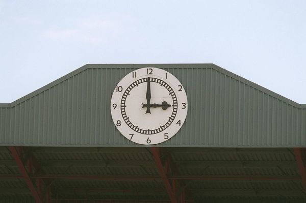the clock arsenal 20 newcastle united