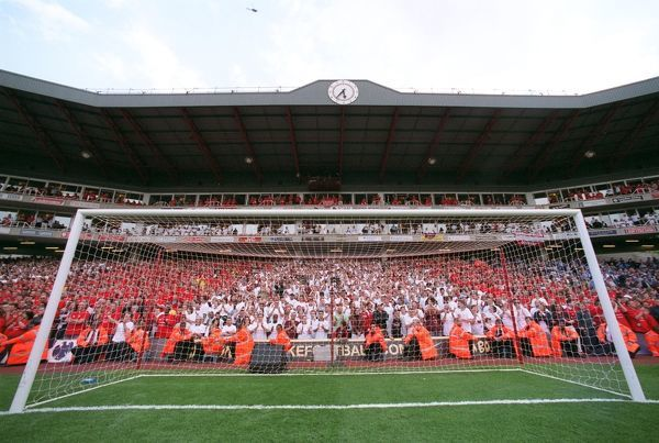 the clock end arsenal 42 wigan athletic