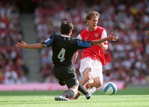 Alex Hleb (Arsenal) Daniele Pedrelliez (Inter)