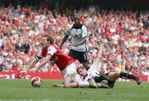 Alex Hleb (Arsenal) is fouled by Moritz Volz (Fulham) for the Arsenal penalty