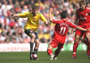 Alex Hleb (Arsenal) Mark Gonzalez (Liverpool)