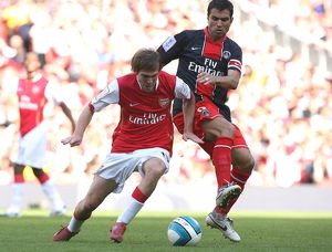 Alex Hleb (Arsenal) Pauleta (PSG)