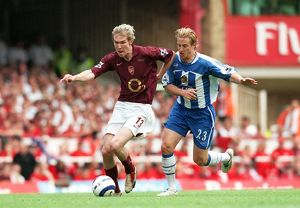 Alex Hleb (Arsenal) Reto Ziegler (Wigan). Arsenal 4:2 Wigan Athletic