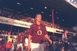Alex Hleb (Arsenal) walks out onto the pitch before the match