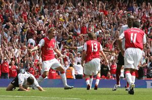 Alex Hleb celebrates scoring the 2nd Arsenal goal with Nicklas Bendtner