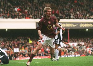 Alex Hleb celebrates scoring Arsenal's 1st goal. Arsenal v West Bromwich Albion