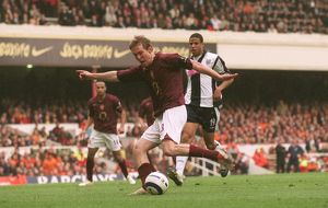 Alex Hleb scores Arsenal's 1st goal. Arsenal v West Bromwich Albion