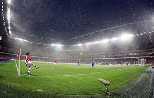 Andrey Arshavin (Arsenal) takes a corner in the snow. Arsenal 2:2 Everton
