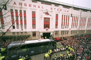 The Arsenal Team coach drops the players at the East Stand on Avenell Road