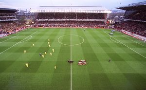 Arsenal have their team group picture taken before the match, the last floodlit match at Highbury
