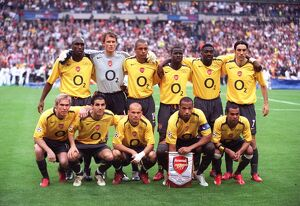 arsenal team line up before the match