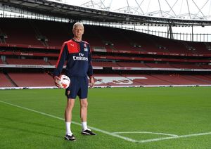 Arsene Wenger (Arsenal Manager). Arsenal 1st Team Photcall and Training Session