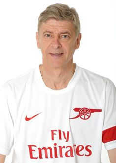 Arsene Wenger the Arsenal Manager. Arsenal 1st team Photocall and Membersday