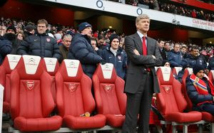 Arsene Wenger the Arsenal Manager with JK (Masseur) to his right. Arsenal 2:2 Everton