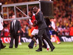 Ashley Cole and Sol Campbell (Arsenal) celebrate at the end of the match
