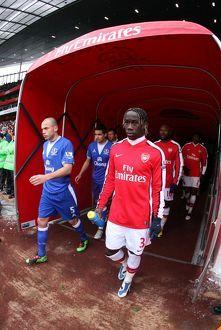 Bacary Sagna (Arsenal) walks out of the tunnel before the match. Arsenal 2:2 Everton