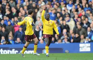 bacary sagna celebrates scoring the 1st arsenal goal