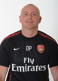 darren page arsenal masseur arsenal 1st team photocall