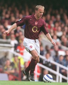 Dennis Bergkamp (Arsenal). Arsenal 1:0 Manchester City. FA Premier League