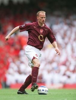 Dennis Bergkamp (Arsenal). Arsenal 4:2 Wigan Athletic