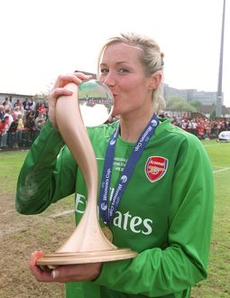 emma byrne arsenal with the european trophy
