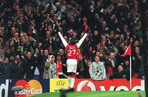 emmanuel eboue celebrates scoring arsenals
