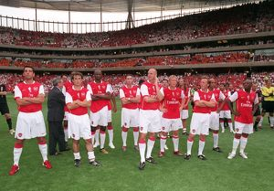 ex arsenal players at the end of the match