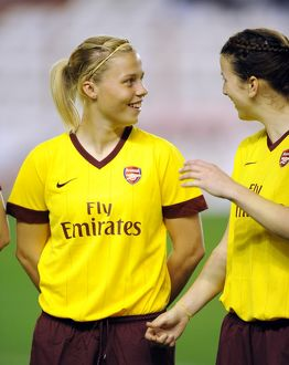 gilly flaherty and niamh fahey arsenal