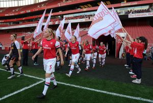 guard of honour arsenal ladies 04 liverpool