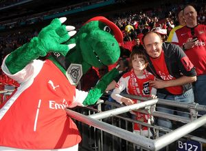 gunner meets the fans before the match arsenal