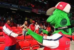 Gunnersaurus with Arsenal fans before the match. Arsenal 2:0 Chelsea. The AXA F