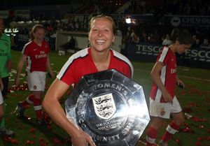 jayne ludlow arsenal with the community shield