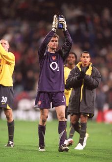 Jens Lehmann (Arsenal) celebrates at the end of the match