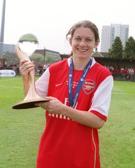 karen carney arsenal with the european trophy