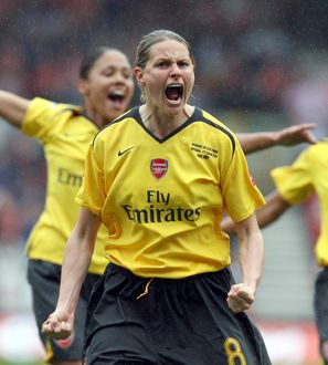 kelly smith arsenal celebrates their 2nd goal
