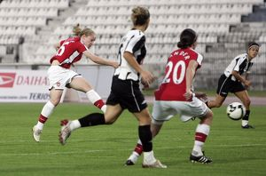 kim little scores her 1st goal arsenals 2nd