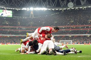 laurent koscielny celebrates scoring the 2nd arsenal