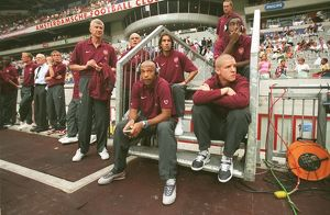 (L>R) Arsene Wenger, Thierry Henry, Robert Pires, Johan Djourou and Philippe Senderos