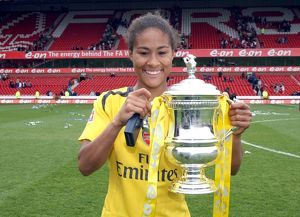 rachel yankey arsenal with the fa cup trophy