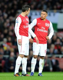 robin van persie and alex oxlade chamberlain arsenal