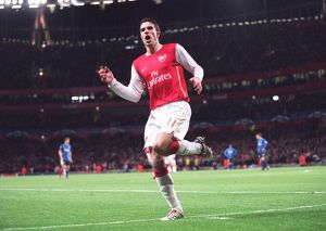 robin van persie celebrates arsenals 1st goal