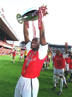 Sol Campbell with the F.A.Barclaycard Premiership Trophy