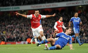 theo walcott celebrates scoring arsenals 3rd goal as