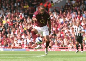 Thierry Henry (Arsenal). Arsenal 2:0 Newcastle United. FA Premier League