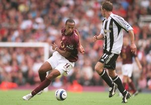 Thierry Henry (Arsenal) Lee Bowyer (Newcastle). Arsenal 2:0 Newcastle United